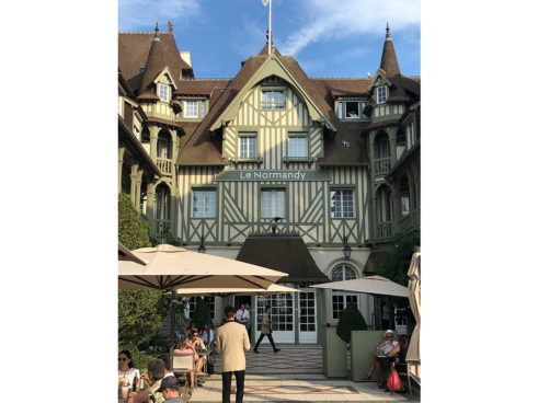 Une Robe Un Soir partners with Barrière Hotel Le Normandy Deauville for the Festival of American Cinema iconic